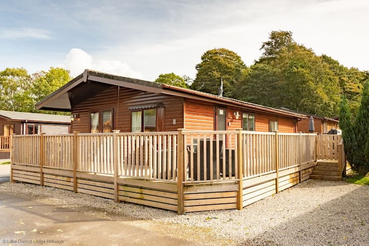 Corner Retreat, White Cross Bay Holiday Park