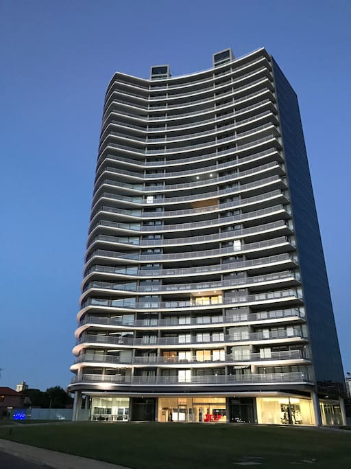 Torre Alexander Boulevard