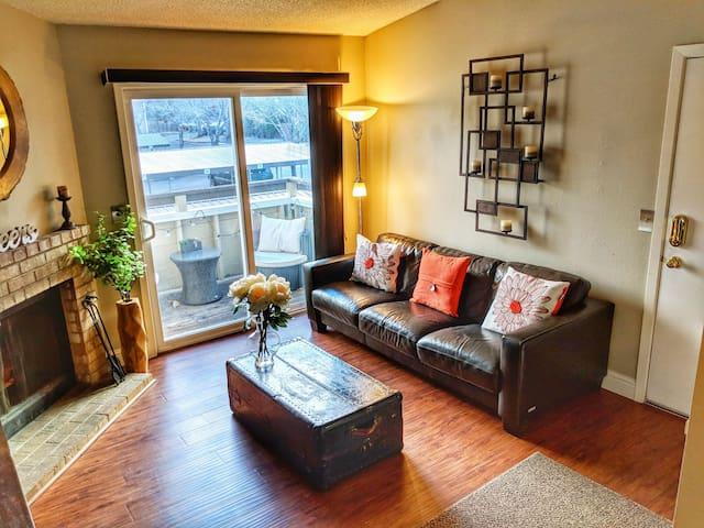 Cozy and clean South Reno condo (2 Beds)