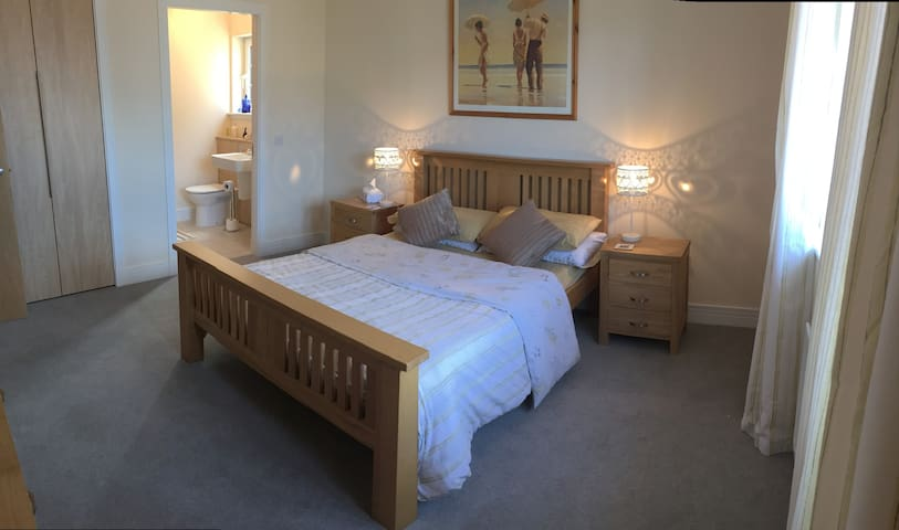 Double room ensuite - North Berwick