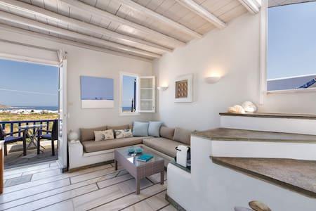 """Pure White"" Studio with amazing sea view, Naousa"
