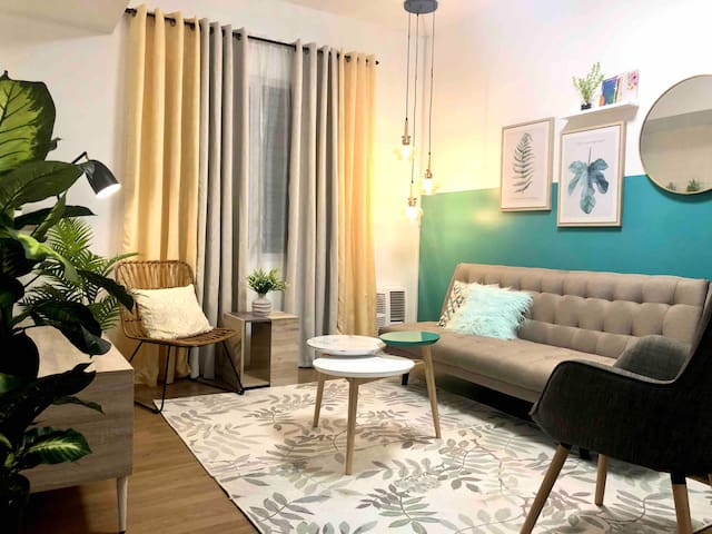 Stylish & Spacious 1BR Solinea Condo Near Ayala