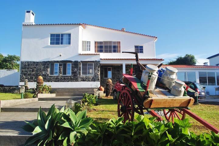 """""""Quinta do Sol"""" - Villaverde Guest Houses"""