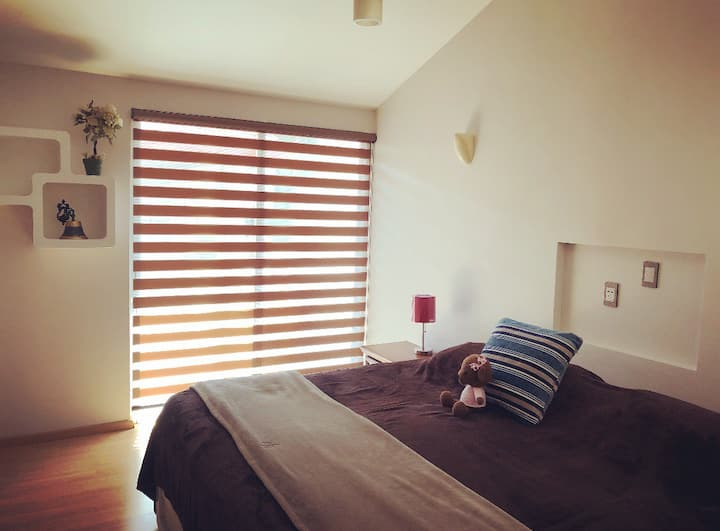 Beautiful room Entrada privada + WIFI + NETFLIX