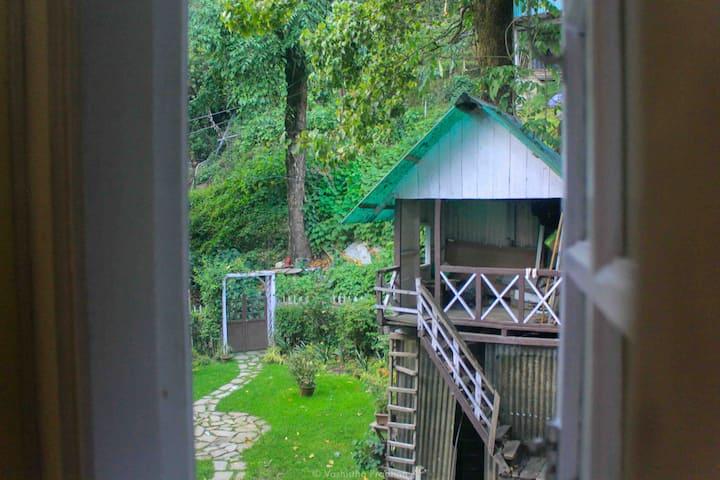 Cosy Suite w/ hill view - Augusta Villa