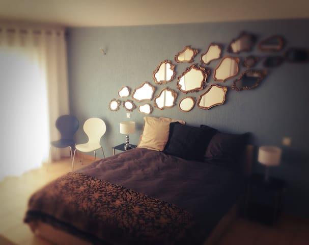 Chambres d'Hotes Privé Studio - Pouzolles - Bed & Breakfast