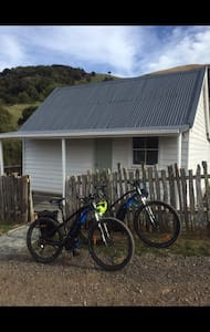 Bicyclette Bed and Breakfast - Charming in Wainui - Wainui