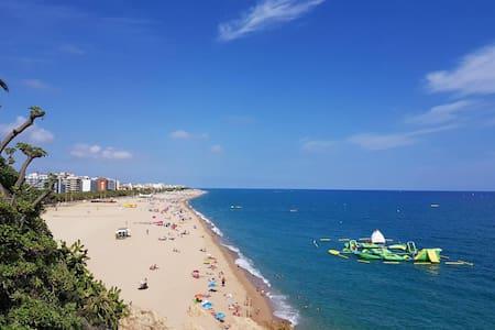 Calella beach area, main street apartment