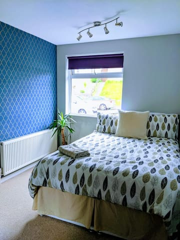Clean, bright and beautiful double room near Luton airport