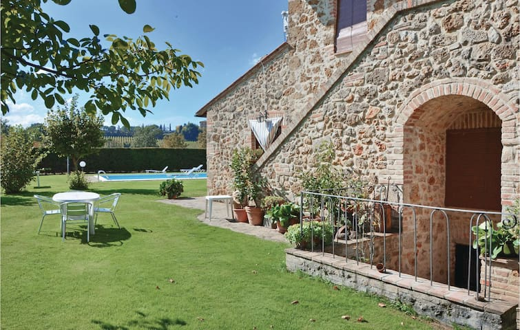 Holiday apartment with 2 bedrooms on 60 m² in Poggibonsi  SI