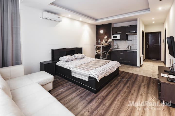 Stylish! With panoramic windows ! - Chişinău - Apartamento