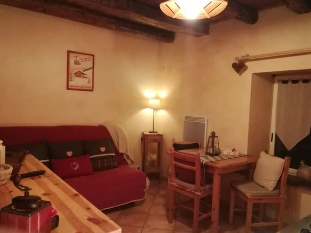 Apartment-Ensuite with Bath-Garden View-L'ADOUX