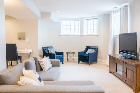 2BR East Lakeview Gem 2 Blocks from Lake
