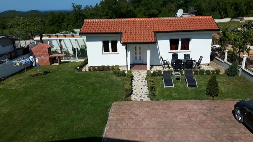 Beautiful new renovated bungalow - Porec - Bungalow