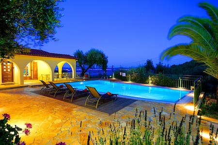 Villa Nitsa: Signature Villa in exquisite Northeastern Corfu, Greece - Nissaki, Corfu - Villa