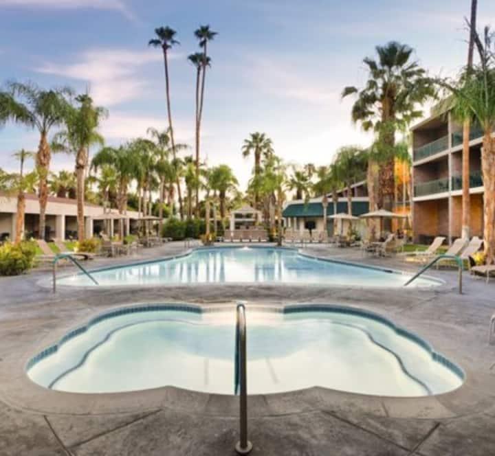 Two Bd Coachella Luxury Suite Getaway