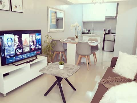 Davao City 2BR Townhouse with Wifi+Netflix+Parking