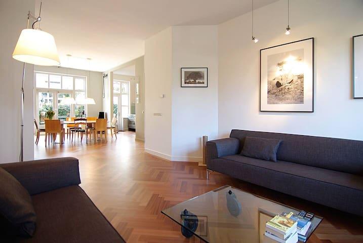 Great home for 4 Museum Quarter & Vondelpark area