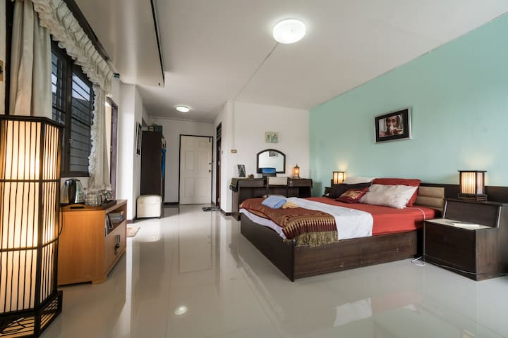 Spacious Suite. Two Balconies. Best Location in CM - Chiang Mai - Byt