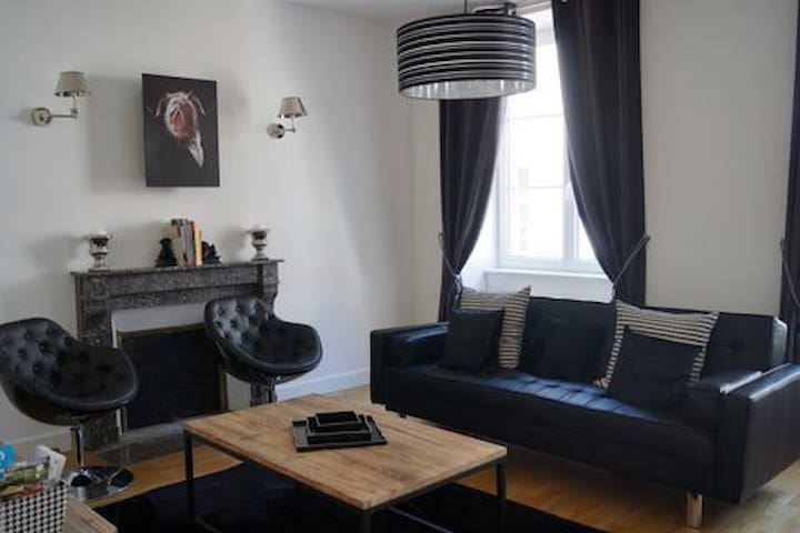 Appartement design confortable 4* - Salins-les-Bains - Apartment