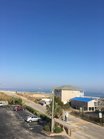 Perfect cozy ocean and icww front condo top floor - 캐롤리나 비치(Carolina Beach)