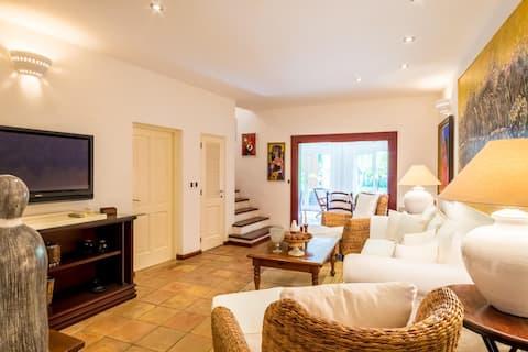 BEAUTIFUL House - Near Beach 3BR Marina View