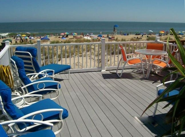 DIRECT OCEANFRONT TOWNHOUSE 5 BEDROOM SLEEPS 14