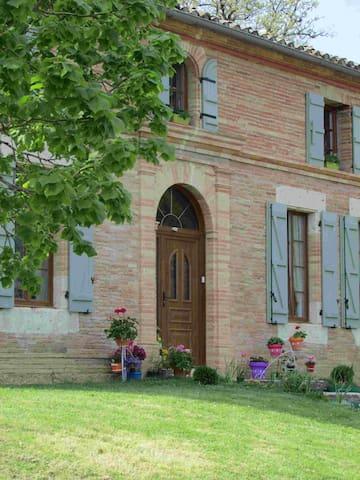 Chambre Marjolaine chez Arocou - Midi-Pyrénées - Bed & Breakfast