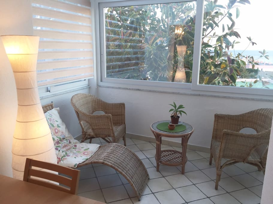 Dettaglio Angolo soggiorno con vista fantastica vista mare