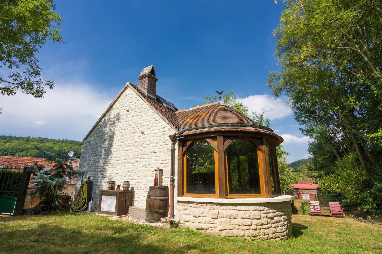 Ancien fournil du XVIIème siècle revisité en cottage tout confort....