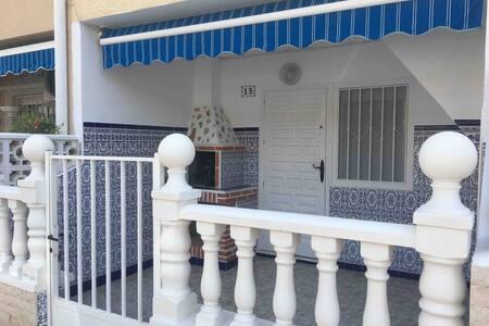 Playa los náufragos, Torrevieja, planta baja