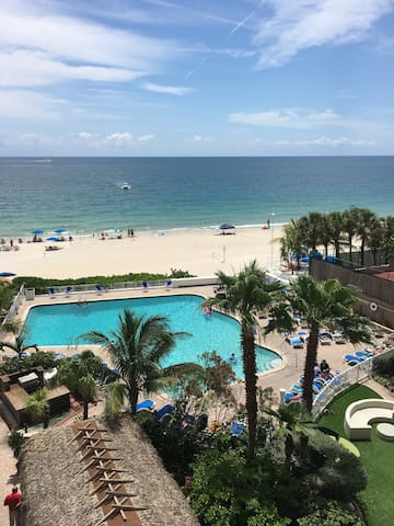 Direct Ocean View from the Balcony - Fort Lauderdale - Apartment