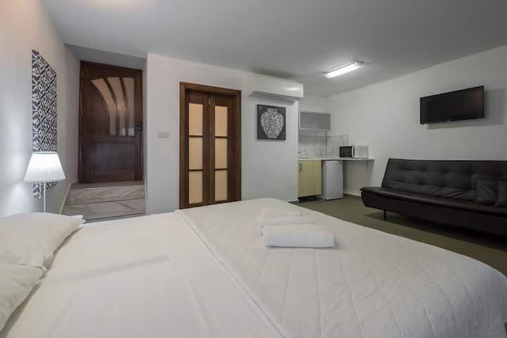 Strada Stretta Suite 1