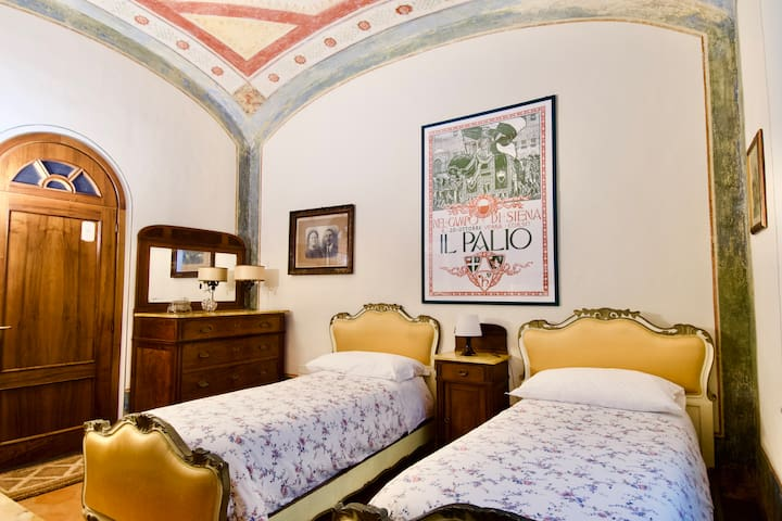 Yellow Room, Art Nouveau heart Tuscany