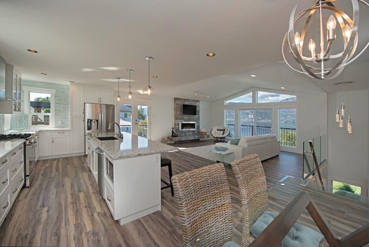 Modern Beach House with full Okanagan Lake view!