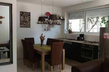 Apartment Rustico - Gradac, Splitsko-dalmatinska županija - อพาร์ทเมนท์