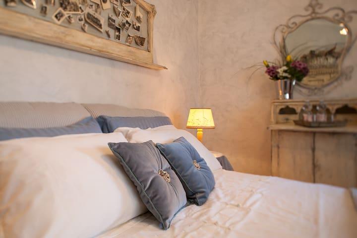Ortensia room in Villa Irene b&b