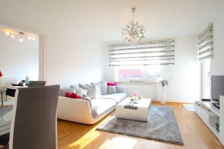 ID 6142 4-Zimmer-Apartment wifi - Laatzen