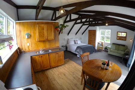 Muriwai Homestead Cottage - Muriwai - Apartment