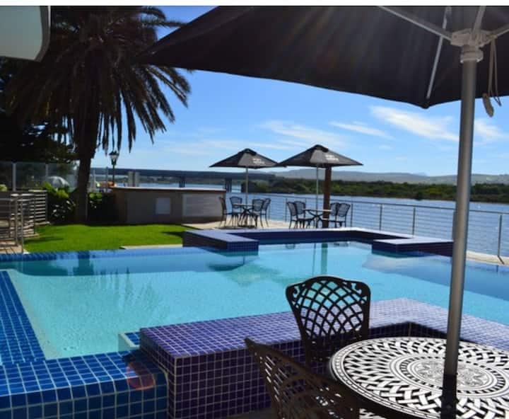 Stunning Hartenbos Lagoon front Apartment