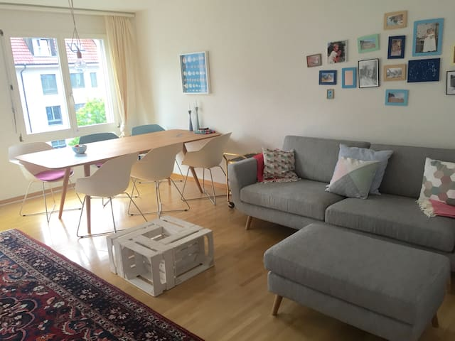 Family-friendly 4-room-apartment in trendy Kreis 3