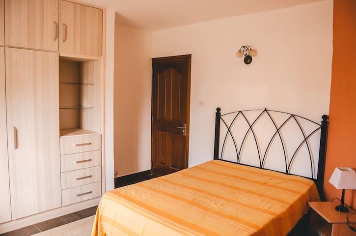 Downstairs: Bedroom 1
