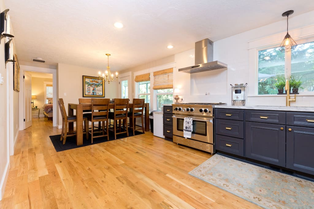 Open floor plan - dining and kitchen.