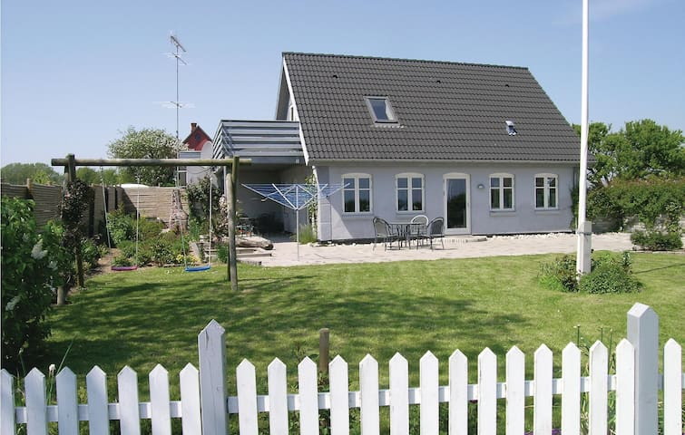 Holiday cottage with 2 bedrooms on 127 m²