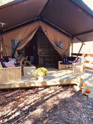Private, secluded Glamping in Bar Harbor, Bear