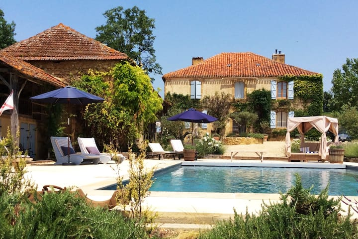 Fabulous renovated house with pool near Marciac