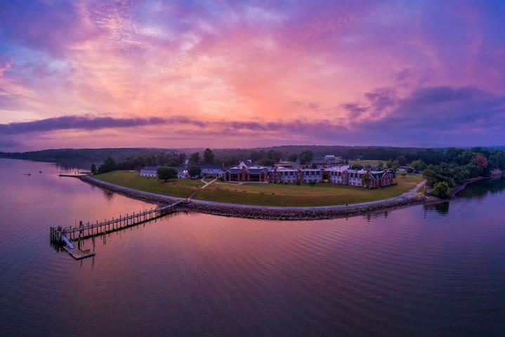 Enjoy Breathtaking Beauty on the Chesapeake Bay