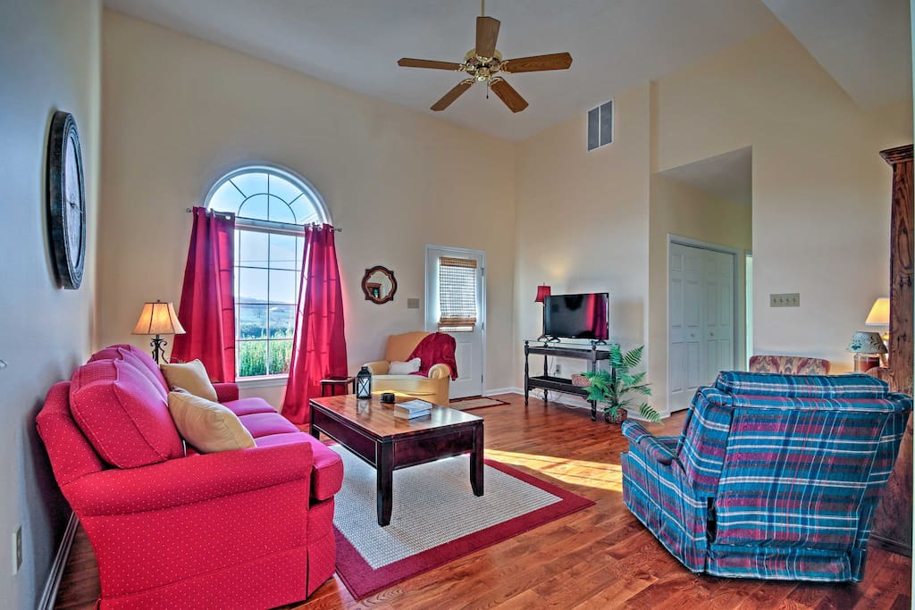 The home boasts 3 bedrooms, 2 bathrooms and sleeping for 6.
