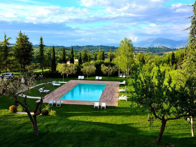 Baiano By The Pool, 4 miles to Spoleto centre - Spoleto - Lejlighed