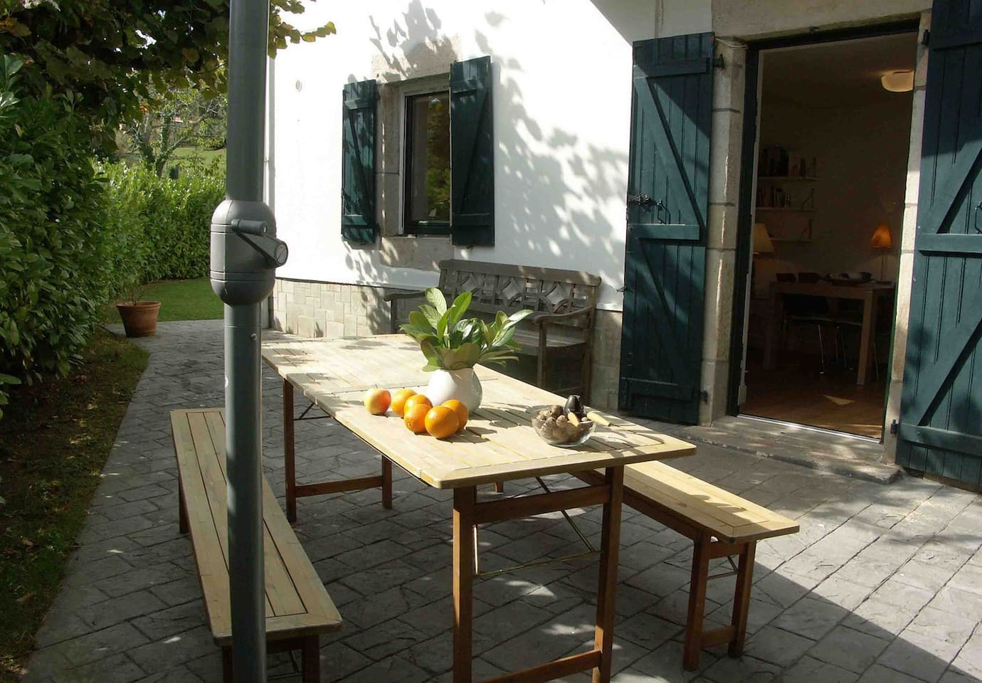 Terrasse with entrance to appartment